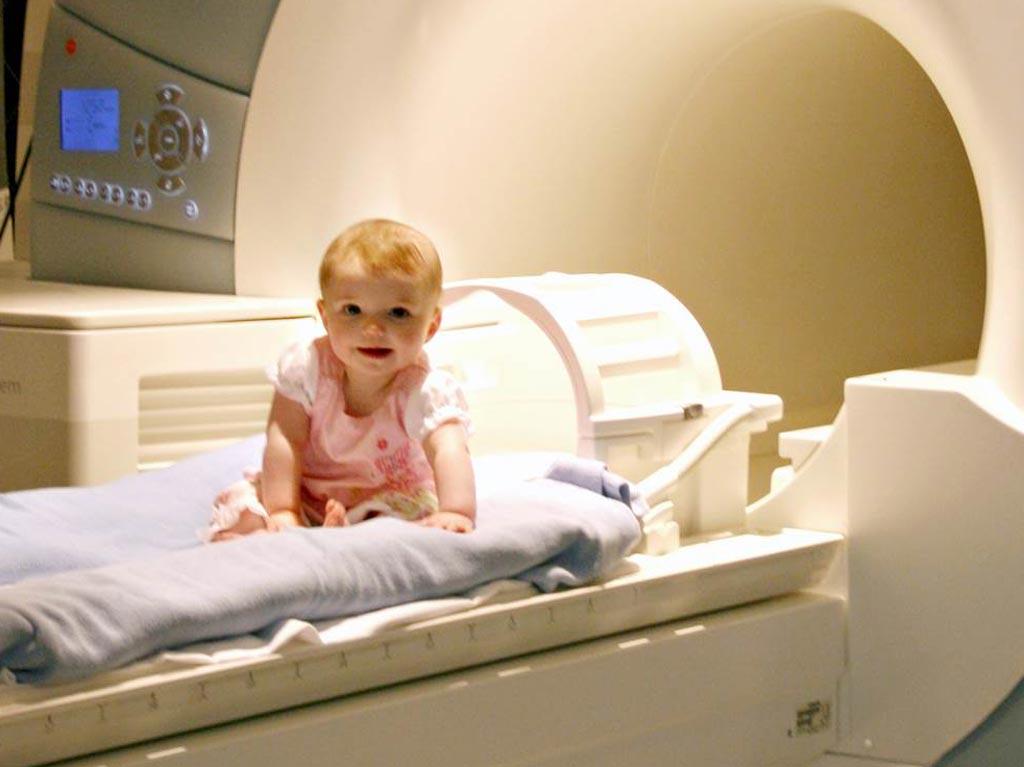 Imagen: La Administración de Alimentos y Medicamentos de los Estados Unidos (FDA) ha aprobado un agente de contraste para uso IV en niños menores de dos años, así como en los recién nacidos (Fotografía cortesía de iStock).