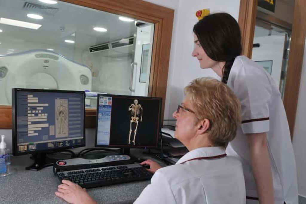 Imagen: Un nuevo estudio sugiere que la angiografía por TC post mortem ayuda a descubrir las causas de muerte (Fotografía cortesía del Hospital Real Preston).