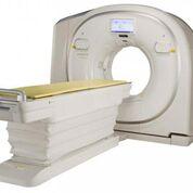 Imagen: El escáner Scenaria View CT ofrece un cilindro de 80 cm de diámetro para los pacientes grandes (Fotografía cortesía de Hitachi).