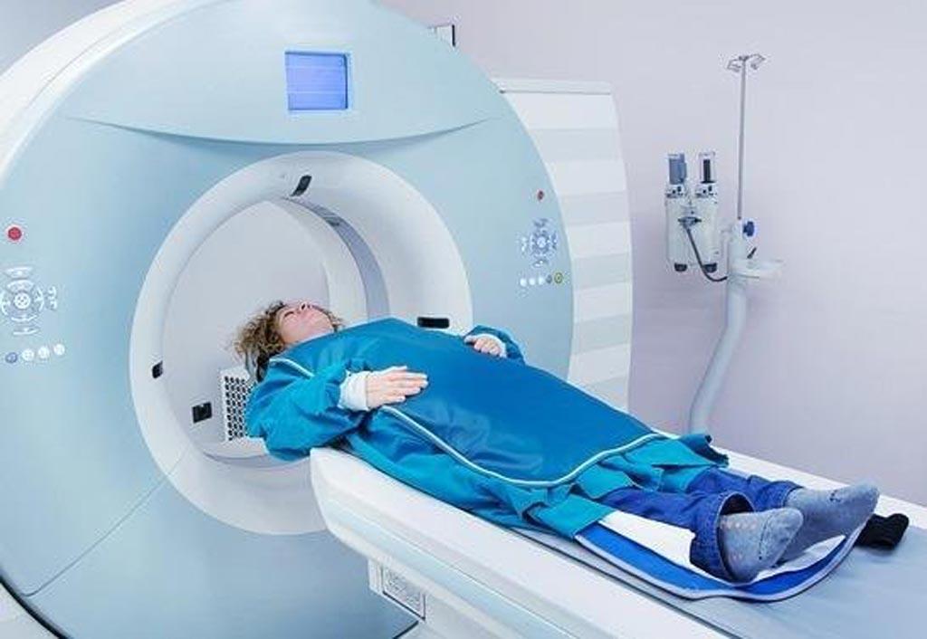 Imagen: Un estudio nuevo sugiere que proteger a los pacientes durante las radiografías de diagnóstico podría ser contraproducente (Fotografía cortesía de Rebecca Milman Marsh / Shutterstock).