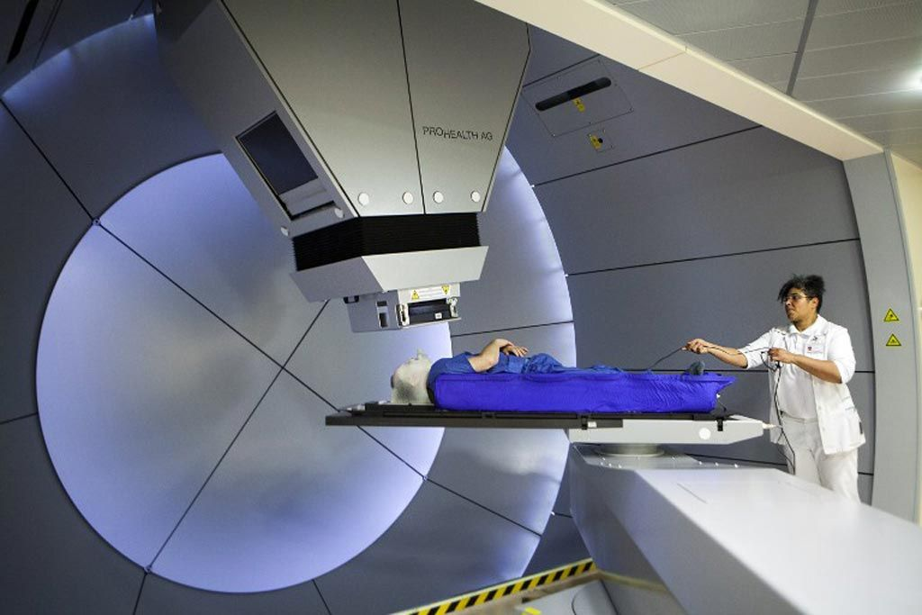 Imagen: La RT de protones a dosis ultraalta puede aplicar una dosis de radiación completa en un segundo (Fotografía cortesía de Getty Images)