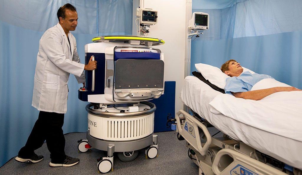 Imagen: El sistema de resonancia magnética de punto de atención Lucy (Fotografía cortesía de Hyperfine)