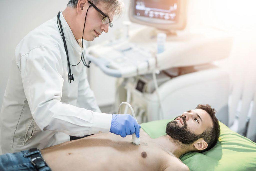 Imagen: La ecografía pulmonar ofrece otra opción de diagnóstico para la COVID-19 (Fotografía cortesía de Getty Images)