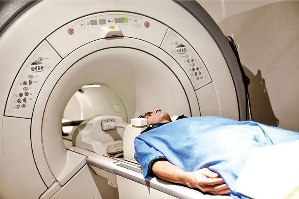 Imagen: Los nuevos protocolos hacen que las imágenes por resonancia magnética sean seguras para dispositivos implantados no compatibles (Fotografía cortesía de Getty Images)