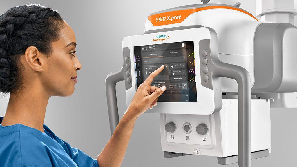 Imagen: La nueva pantalla táctil MyExam Companion del YSIO X.pree (Fotografía cortesía de Siemens Healthineers)
