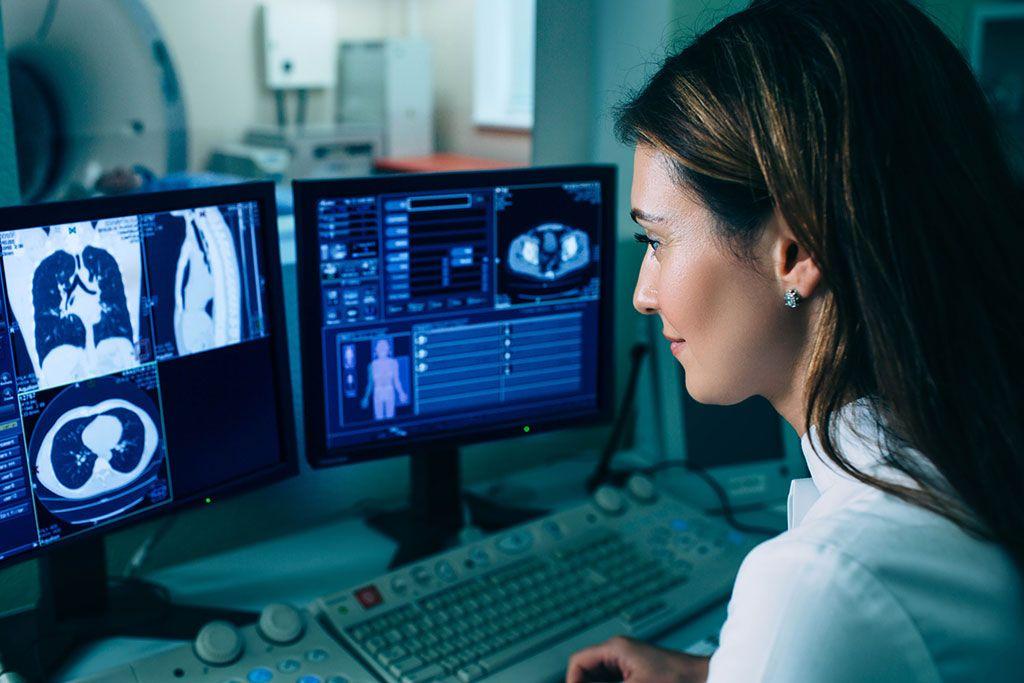 Imagen: La radiómica por TC puede ayudar a clasificar la malignidad de los nódulos pulmonares (Fotografía cortesía de Getty Images)