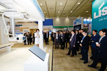 Image: Visitors at KIMES 2014 (Photo courtesy of KIMES).