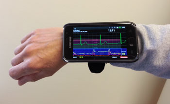 Image: The Beat2Phone device measures ECG signals and sends them to a cellphone (Photo courtesy of VTT).