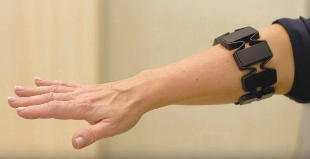 Image: The Myo armband helps diagnose vestibular disorders (Photo courtesy of KTU/LSMU).