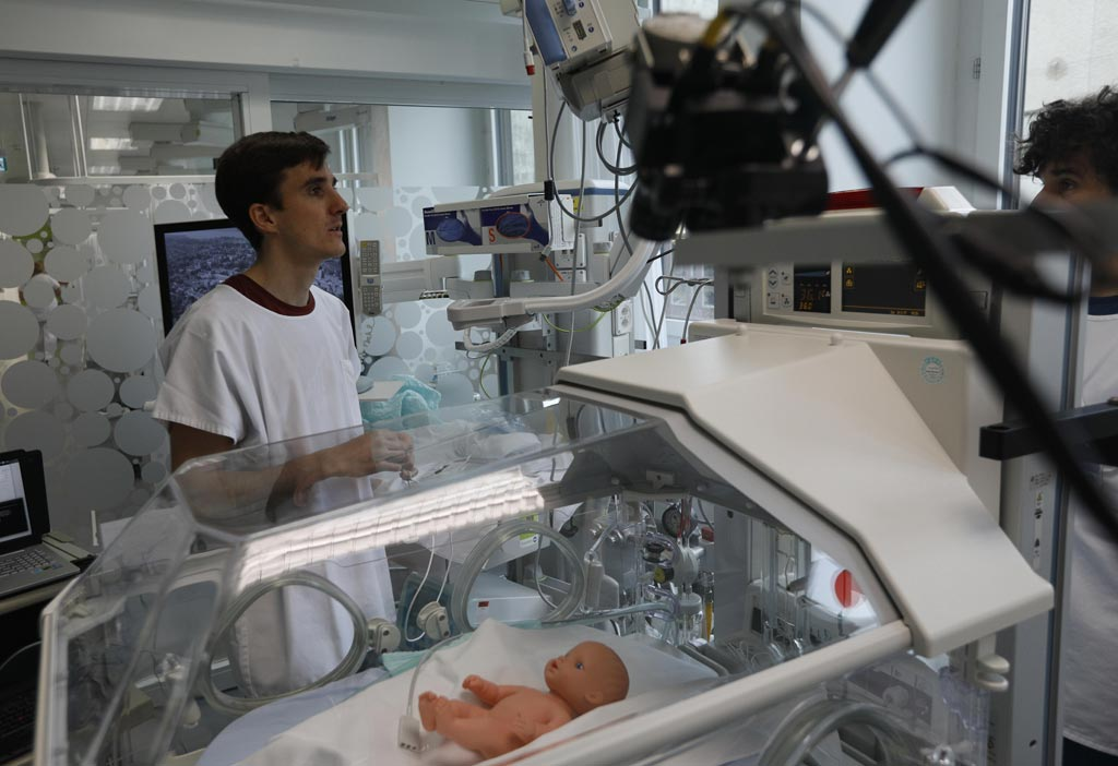 Image: Video cameras my soon be used to monitor preemies (Photo courtesy of EPFL).