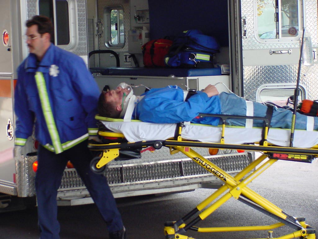 Image: A new study shows powered stretchers could reduce injuries to paramedics (Photo courtesy of Applied Ergonomics).