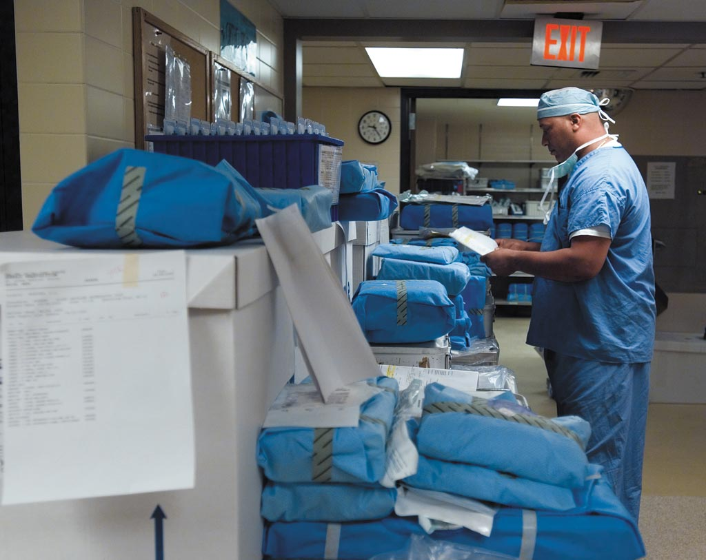 Image: A new survey shows supply chain shortages can result in postponed surgeries (Photo courtesy of Cardinal Health).