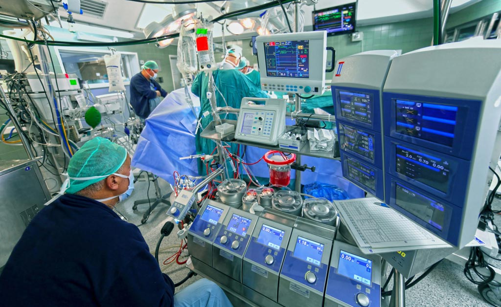 Image: A new study suggests adding hydrogen gas to ECMO can reduce reperfusion injury (Photo courtesy of iStock).