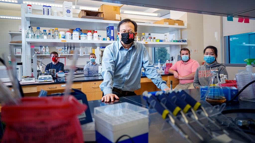 Image: Shi-Hua Xiang, associate professor of veterinary medicine and biomedical sciences and a member of the Nebraska Center for Virology (Photo courtesy of University of Nebraska–Lincoln)