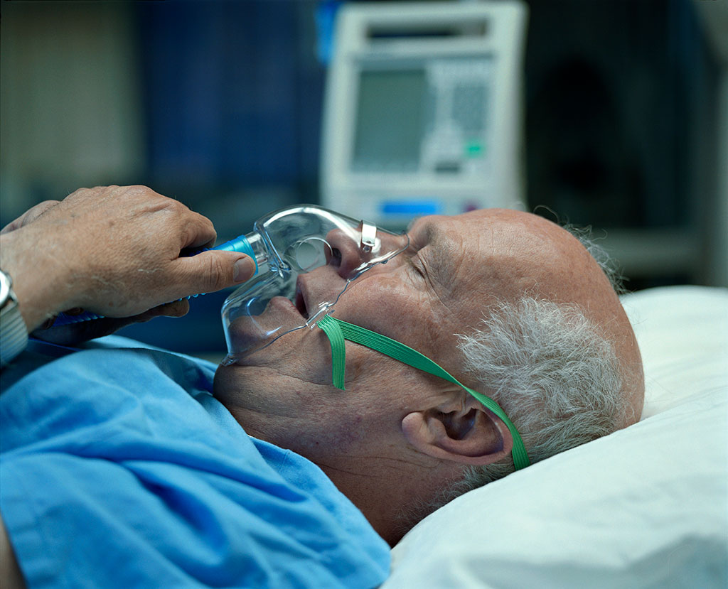 Image: Too much Oxygen can lead to increased mortality in hospitalized patients (Photo courtesy of Getty Images)