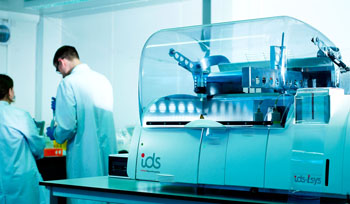 Image: The IDS-iSYS Multi-Discipline Automated System brings testing efficiency and uncompromised quality to specialty immunoassay testing in laboratories of all types and volumes (Photo courtesy of Immunodiagnostic Systems).
