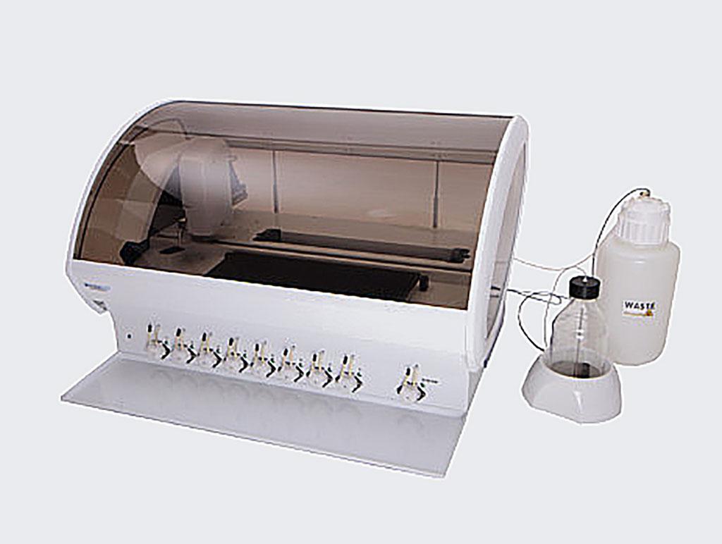 Image: Fully automatic analyzer for immunoblot and westernblot methods (Photo courtesy of Dynex Technologies)