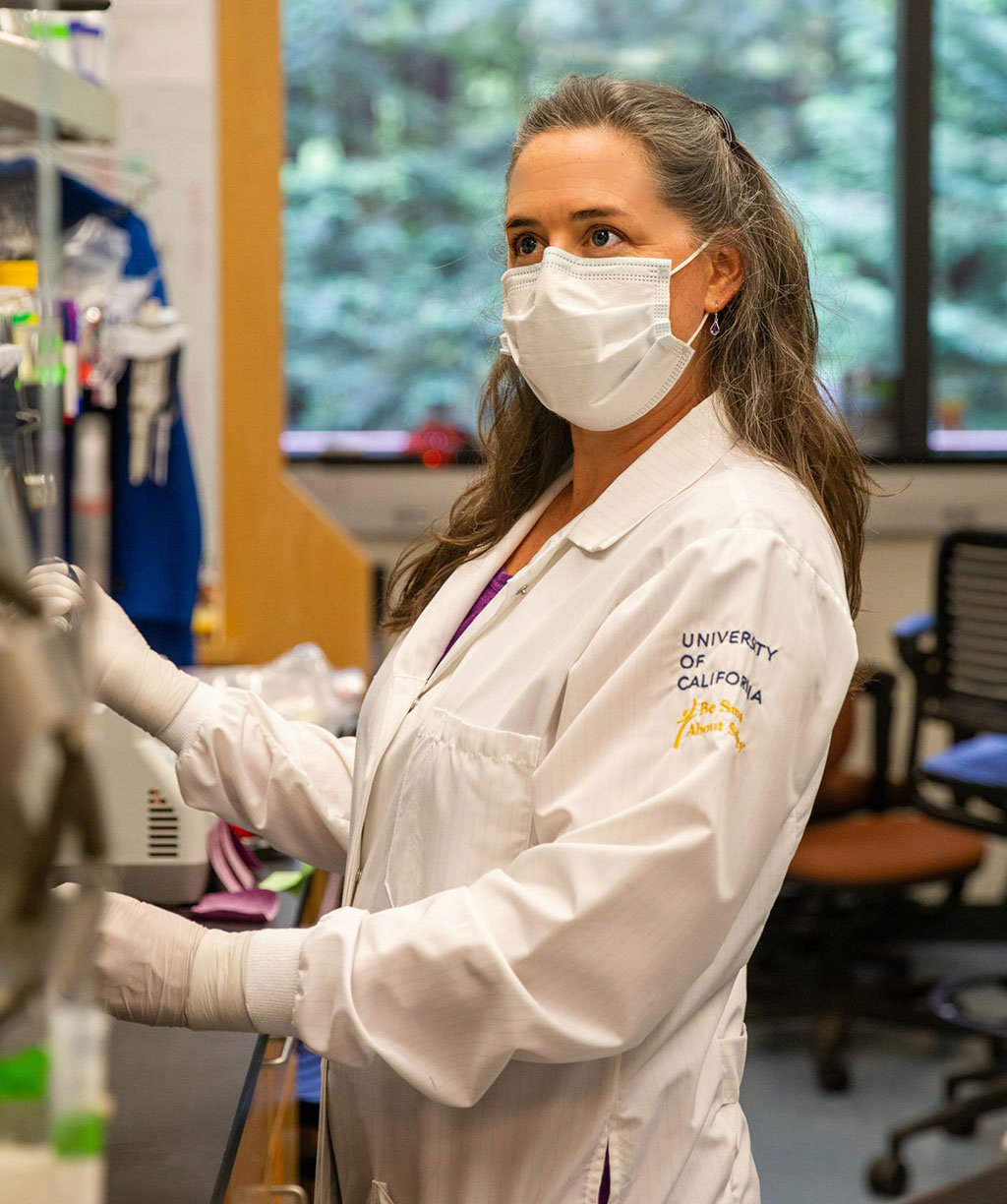 Image: Rebecca Dubois in her lab at UC Santa Cruz. (Photo courtesy of C. Laguttuta)