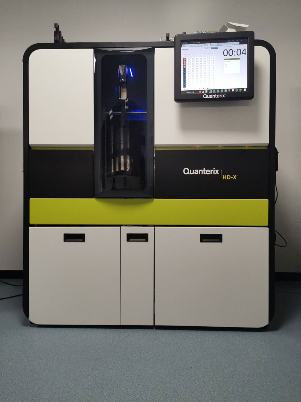 Image: The Simoa HD-X fully automated immunoassay platform with multiplexing and custom assay capability (Photo courtesy of Quanterix Corporation).