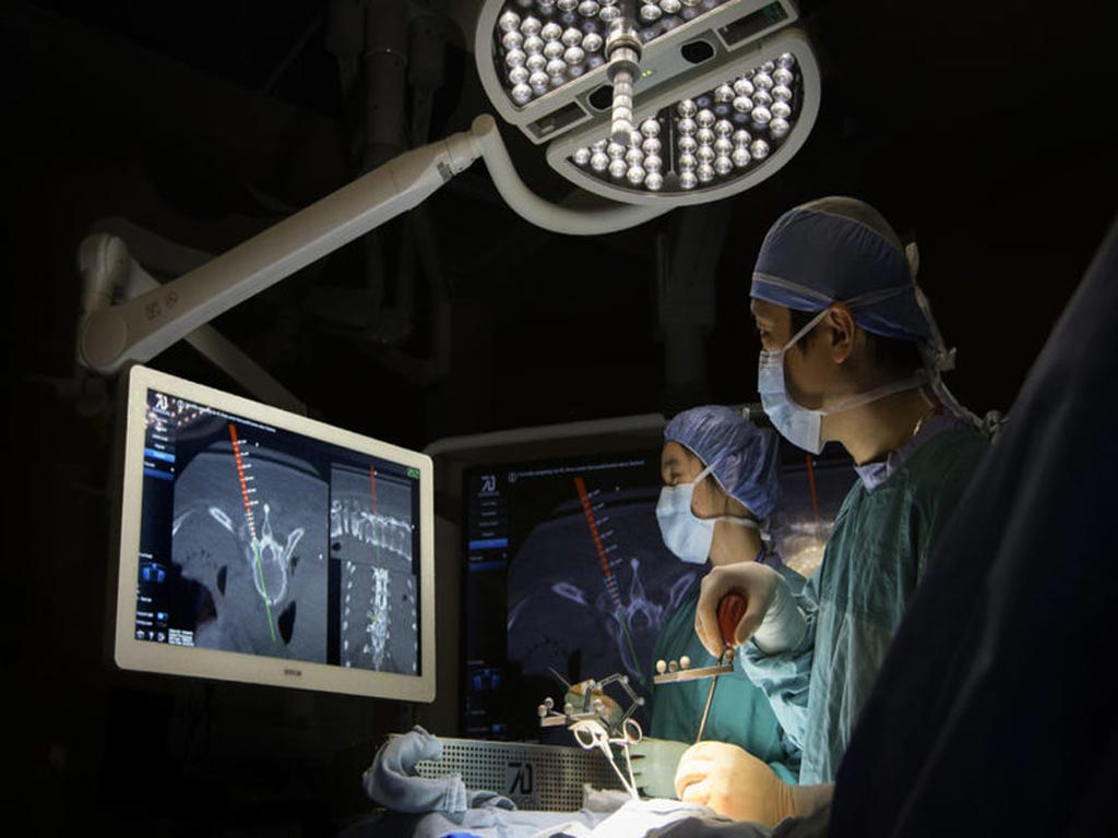 Image: The MIGS system for spinal surgery (Photo courtesy of 7D Surgical).