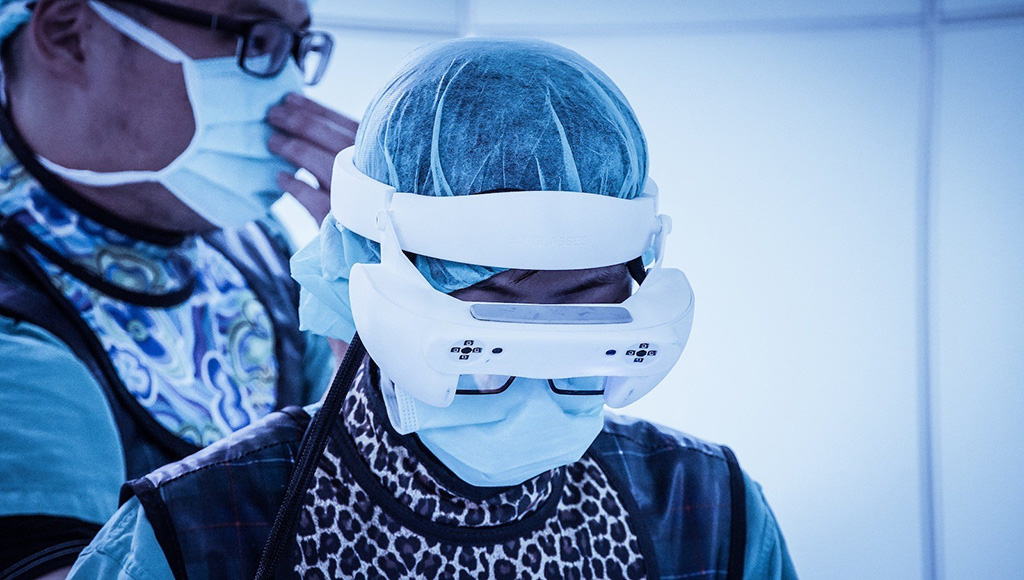 Image: Caduceus smart glasses (Photo courtesy of Taiwan Main Orthopaedics Biotechnology)