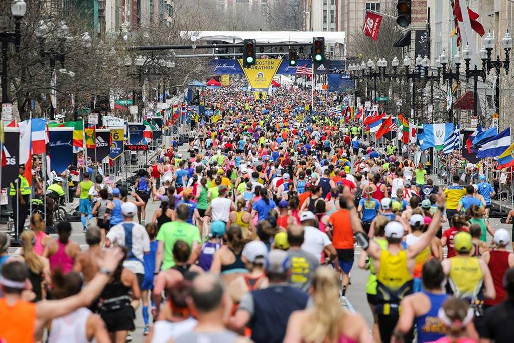 Imagen: La investigación sugiere que los días de maratón pueden aumentar el riesgo de muerte en los no participantes (Fotografía cortesía de la Asociación Atlética de Boston)