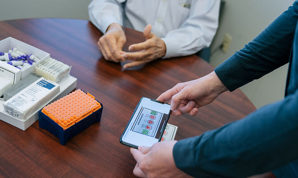 Imagen: La Universidad de Utah, ARUP Laboratories y Techcyte Inc. hicieron una asociación para desarrollar la NanoSpot (Fotografía cortesía de la Universidad de Utah)