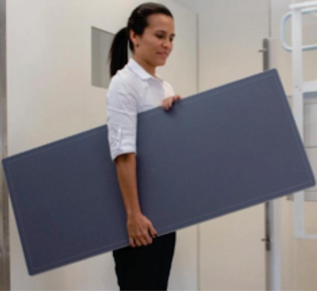 Imagen: DELWORKS LLI permite la radiografía de las columnas y de las piernas con una sola exposición a los rayos X (Fotografía cortesía de Del Medical).
