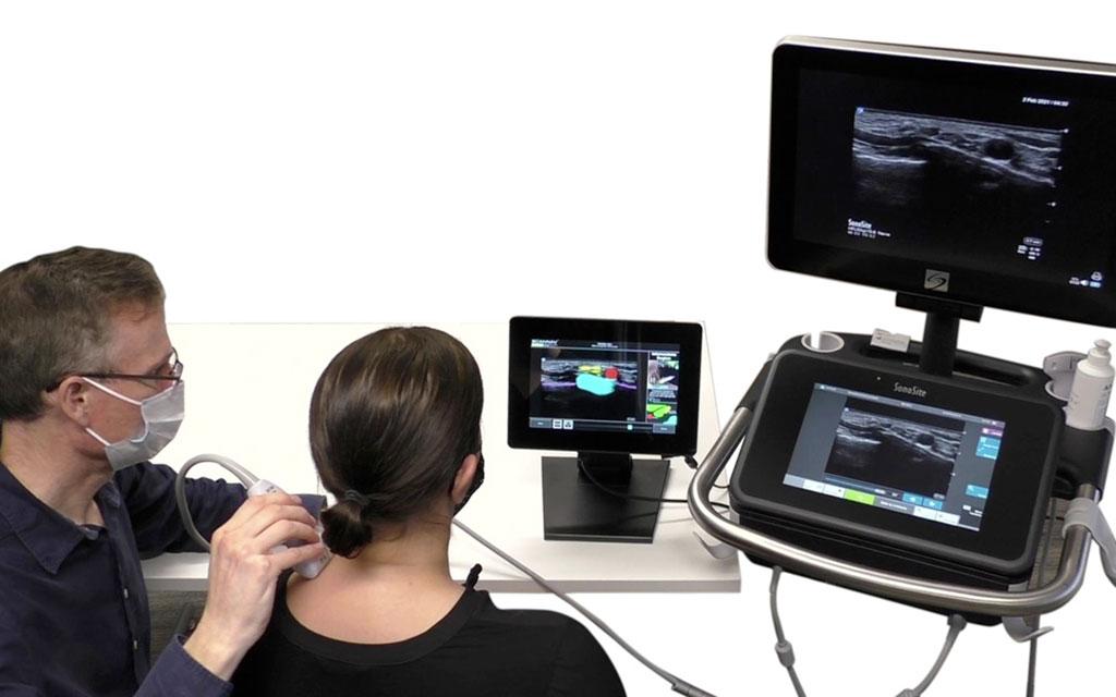 Image: The ScanNav Anatomy PNB (center) (Photo courtesy of Intelligent Ultrasound Group)