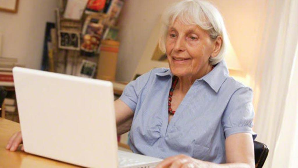 Новое исследование предполагает, что интерактивное интернет-решение может помочь пожилым людям оставаться здоровыми (фото любезно предоставлено Alamy).