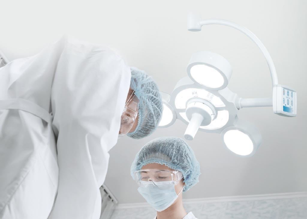 Хирургическая лампа STARLED5 NX (фото любезно предоставлено ACEM).