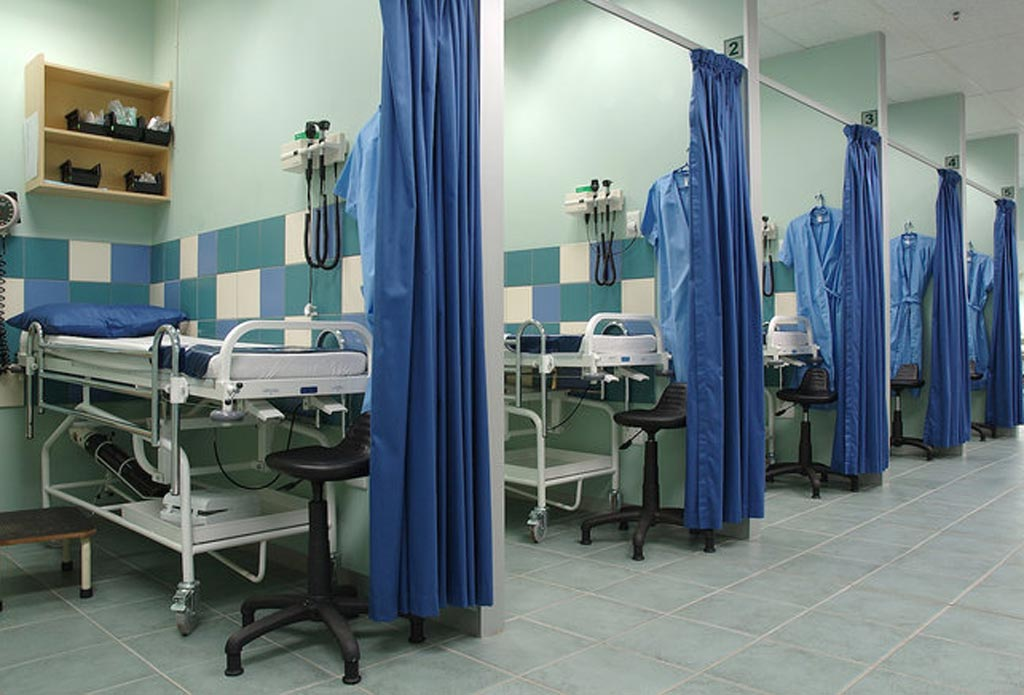Больничные разделительные шторки могут служить укрытием для резистентных бактерий