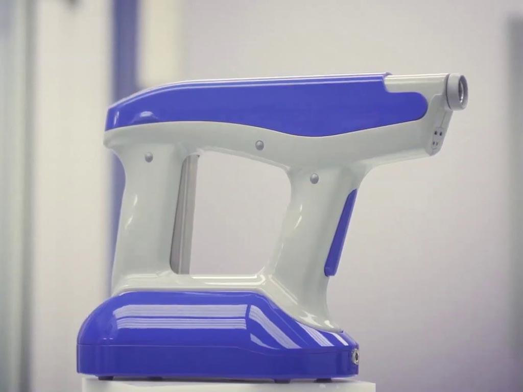 Устройство SpinCare и решение SpinKit создают индивидуальный промежуточный слой, способствующий восстановлению кожи (фото любезно предоставлено Nanomedic Technologies).