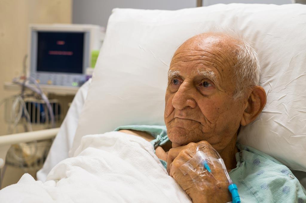 Новое исследование показывает, что средний возраст пациентов, подвергающихся хирургическому вмешательству, увеличивается (фото любезно предоставлено Shutterstock).