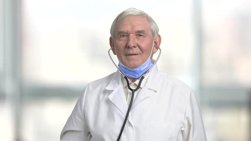 Международная организация рекомендует хирургам пройти профессиональную оценку до того, как им исполнится 65 лет (фото любезно предоставлено Shutterstock).