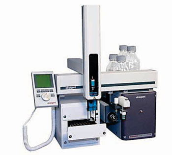 Система Eksigent Ekspert micro LC 200 для выполнения микрожидкостной хроматографии (фото любезно предоставлено компанией Sciex).