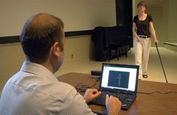 Использование камеры захвата движения Kinect способно улучшить оценку патологии походки у пациентов с рассеянным склерозом путем повышения объективности диагностики и мониторинга лечения (фото любезно предоставлено Монреальским неврологическим институтом и больницей и университетом Макгилла).