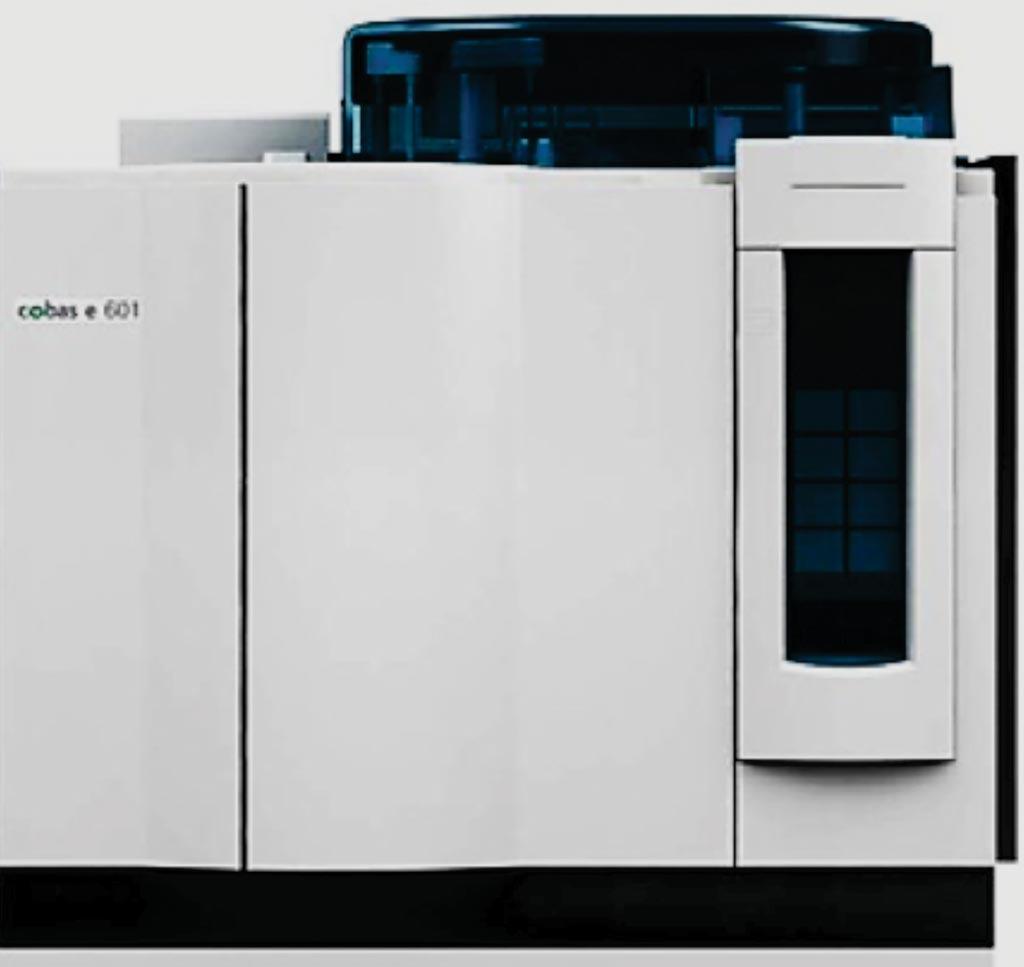 Анализатор cobas e601 для выполнения различных иммунологических анализов (фото любезно предоставлено компанией Roche).